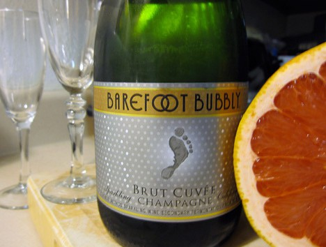 Grapefruit Mimosas with Barefoot Bubbly