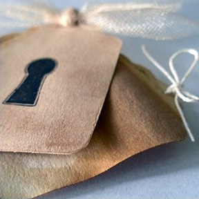 DIY Tags IntroImage How To: The Gift Wrapping Wrap Up