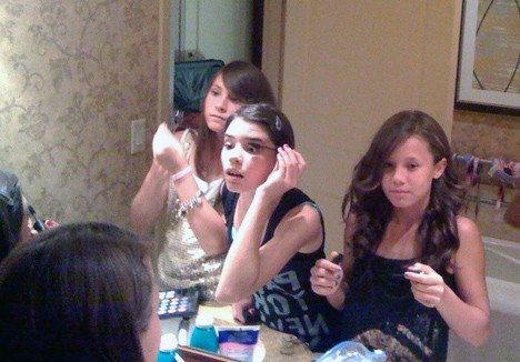 """""""Dear Mom"""" – the makeup obsession begins…"""