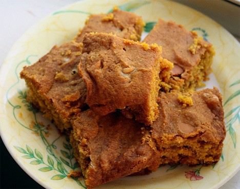 Pumpkin Butterscotch Blondies – bet you can't eat just one!