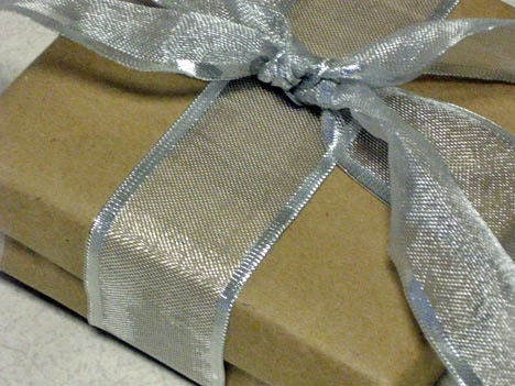 bbag wrapped gift How To: The Gift Wrapping Wrap Up