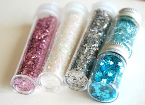 DIY Glitter Nail Polish 2 DIY: Customized Glitter Nail Polish