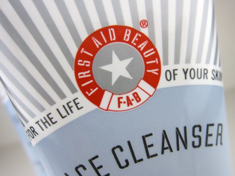 Skin in a state of emergency? Let First Aid Beauty Cleanser come to the rescue!