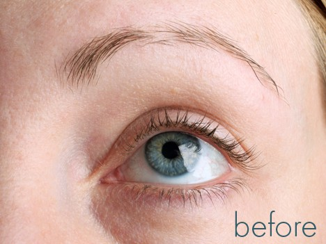 Does Revitalash work? Check out these before and after photos from We Heart This and decide for yourself if you need Revitalash.