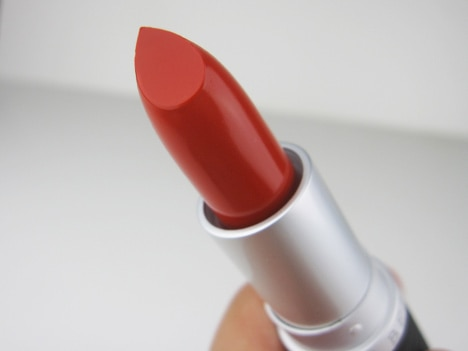 Le Métier de Beauté Colour Core Moisture Stain Lipstick Review