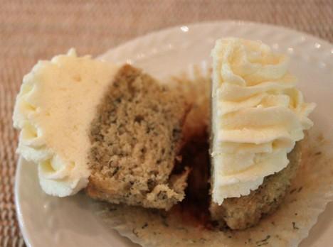 Bananna Cupcakes 3 Banana Cupcakes with Vanilla Frosting Recipe