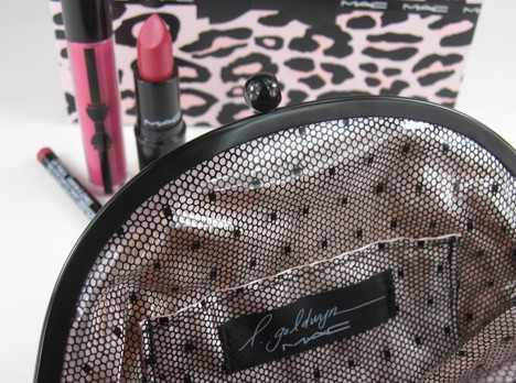 MACprimpedlip2 MAC Fabulousness: Primped Out Lip Look Bag in Luxurious Pink – review, photos & swatches