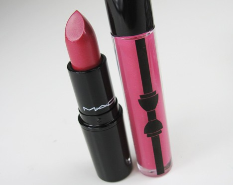MACprimpedlip4 MAC Fabulousness: Primped Out Lip Look Bag in Luxurious Pink – review, photos & swatches