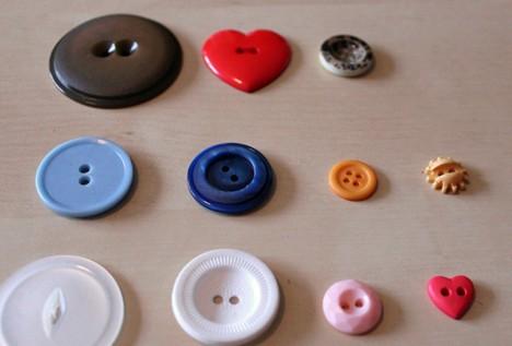 DIY Button 3 DIY: Cute as a Button Magnets