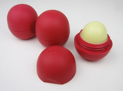 EOS0212D eos Pomegranate Raspberry Smooth Lip Balm Sphere   Green Monday Review