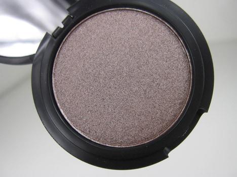 LMdB0212B Le Métier de Beauté True Colour Eye Shadow and Coromandel Collection Nail Lacquer Review
