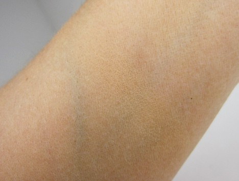 BenefitFakeup6 Benefit Fake Up Concealer   swatches and review