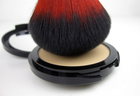 MUFEpro6 MAKE UP FOR EVER Pro Finish Multi Use Powder Foundation   review, photos and swatches