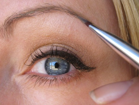 MUFEaquabrow7 Best of Summer 2013: How to apply MAKE UP FOR EVER Aqua Brow