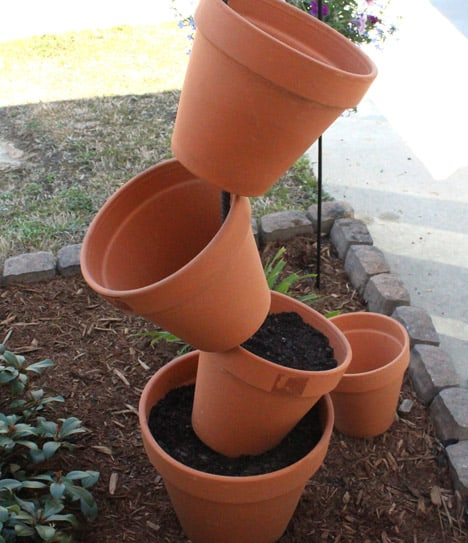 Diy Garden Project Topsy Turvy Flower Planter We Heart This