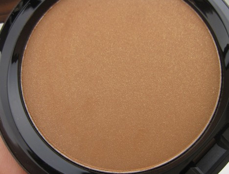 MACtempbody4 MAC Temperature Rising Cheeks & Body   swatches and review