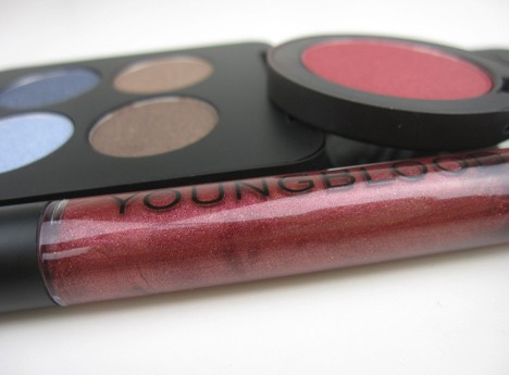 Youngblood Cosmetics Going for Glamour – review & swatches