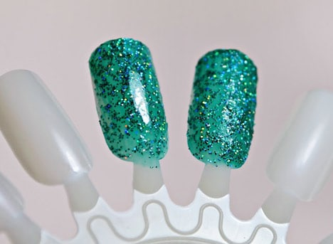 NailPatternBoldness1007B Nail Pattern Boldness Glitter Food and Glitter A Peel review