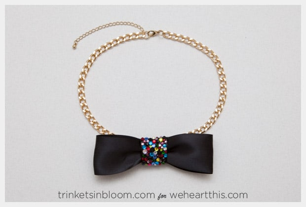rhinestone-bow-necklace-finished