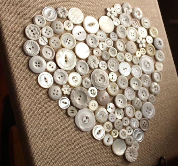 Valentine DIY 2461 DIY Valentines Day: Button Heart