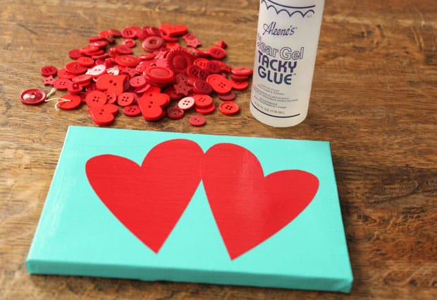 Valentine DIY 2569 DIY Valentines Day: Button Heart