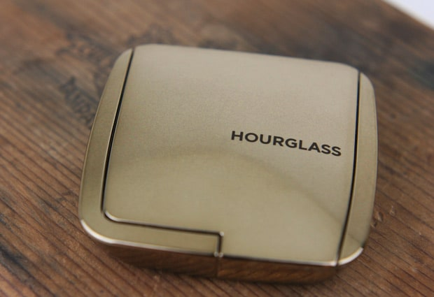 Hourglass Ambient Light Blush diffused heat 1 Hourglass Ambient Lighting Blush in Diffused Heat   swatches and review