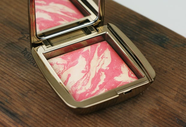 Hourglass-Ambient-Light-Blush-diffused-heat-4