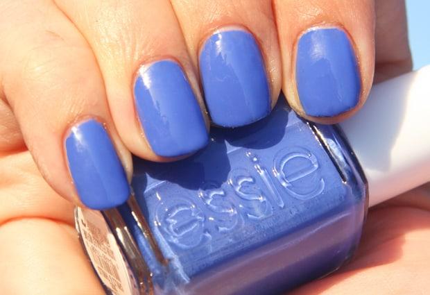 Essie-Chills-Thrills-5-swatch