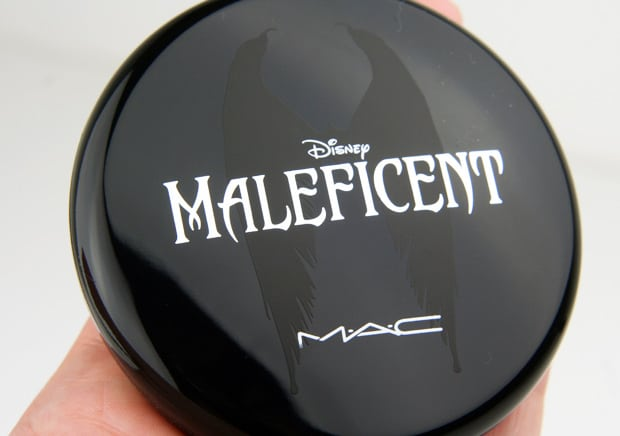 MAC-Maleficent-16-natural-beauty-powder