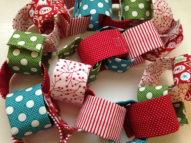 DIY Christmas Garland 1 Holiday DIY: Christmas Fabric Garland