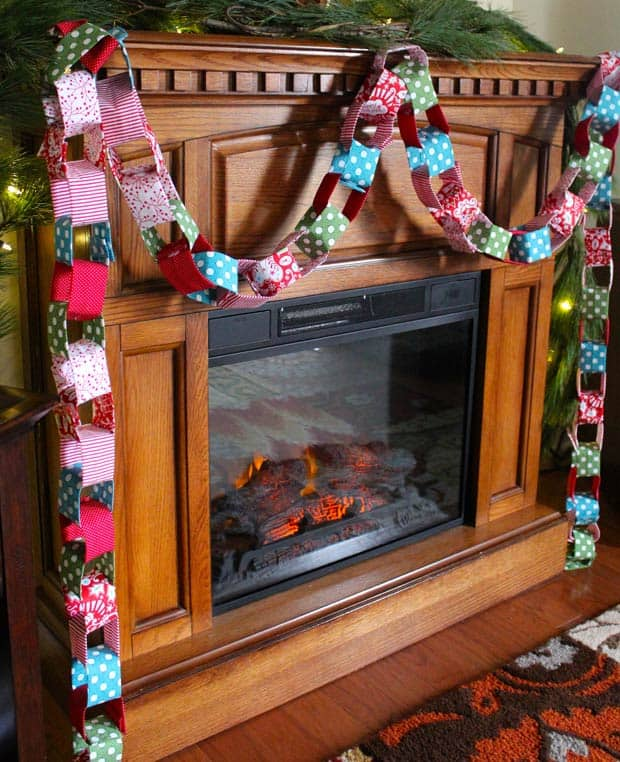 DIY Christmas Garland 14 Holiday DIY: Christmas Fabric Garland