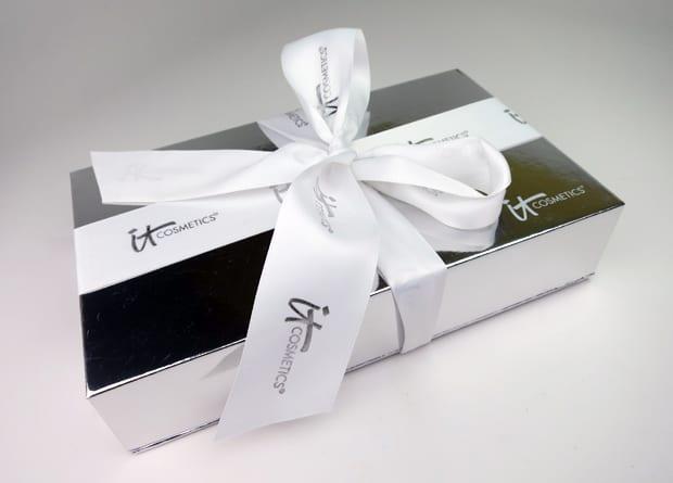 IT-Cosmetics-Buki-Brush-Box-1