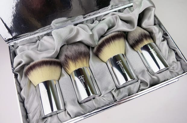 IT Cosmetics Buki Brush Box 2 IT Cosmetics Buki Brush Box Photos and Review