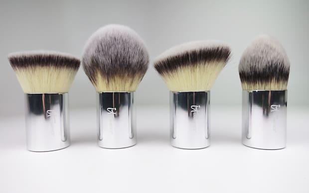 IT-Cosmetics-Buki-Brush-Box-4