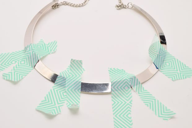 DIY-Color-Blocked-Necklace-07