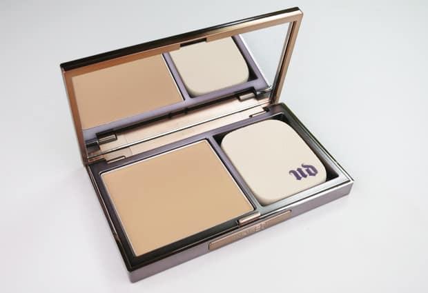 Urban-Decay-Naked-Skin-powder-foundation-6
