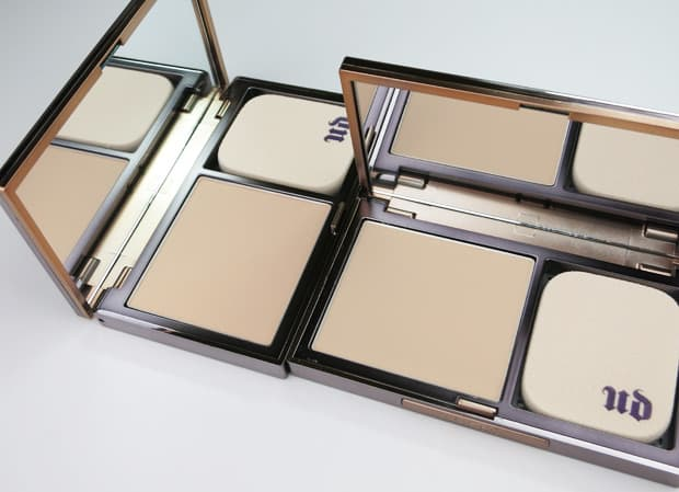 Urban-Decay-Naked-Skin-powder-foundation-light-neutral-swatches