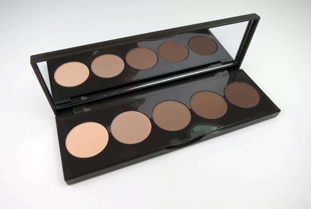 Becca-Ombre-nudes-palette-1