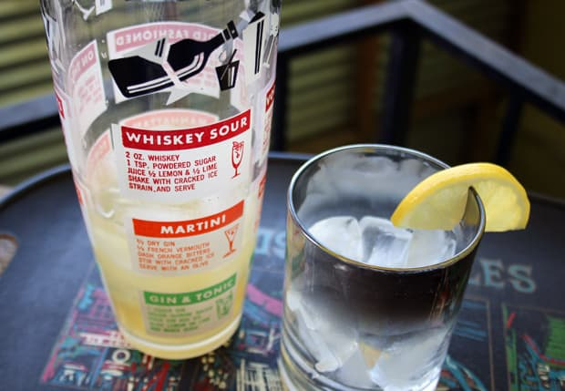 mad-men-whiskey-sour-cocktail-recipe-1