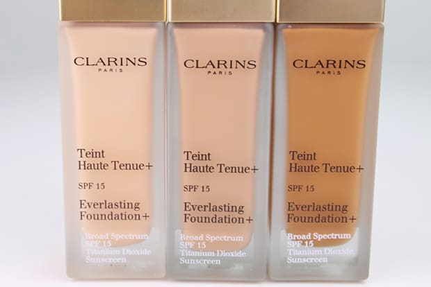 Clarins Everlasting Foundation + swatches and review