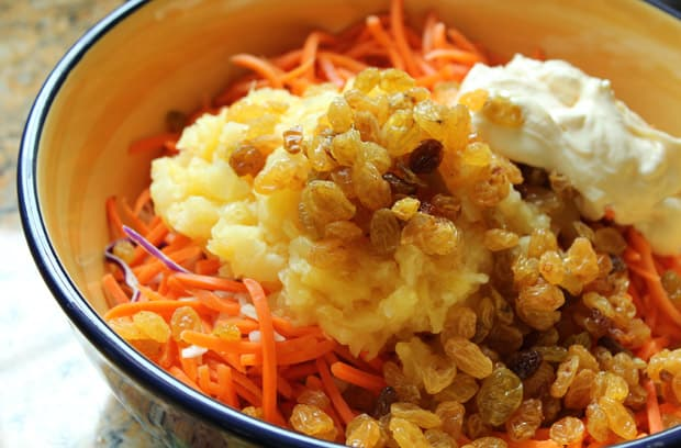 easy-picnic-recipes-pineapple-coleslaw-4