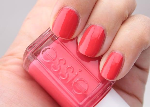Essie summer 2015 summer sneaks swatches 2 Essie Summer 2015 and Essie Neon 2015 swatches and review