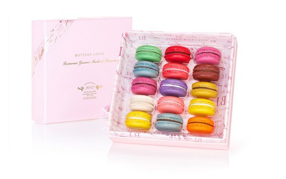 Gift-guide-for-Francophiles-Bottega-Louie-macaron