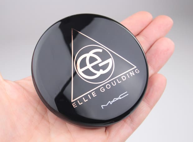 MAC Ellie Goulding packaging 9 MUST HAVE MAC: Ellie Goulding swatches and review