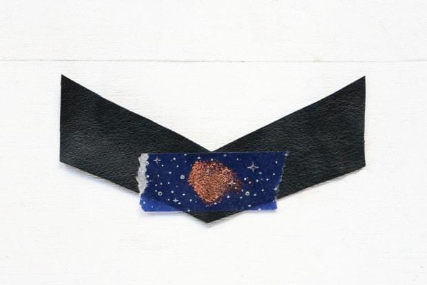 Easy-DIY-Heart-Print-Chevron-Necklace-11