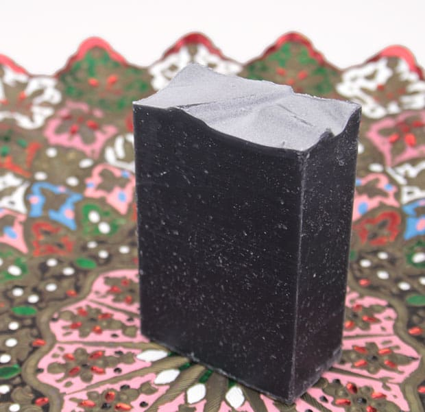 Lather charcoal bar review 2 LATHER Charcoal & Tea Tree cleansing bar review