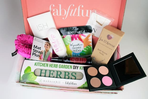 FabFitFun-Spring-2016-box-review-1