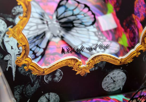 Urban Decay Alice Through the Looking Glass eye shadow palette mirror 7 Urban Decay Alice Through the Looking Glass eye shadow palette and lipstick   swatches and review (PIC HEAVY)