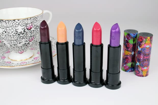 Urban-Decay-Alice-Through-the-Looking-Glass-mirana-lipstick-16