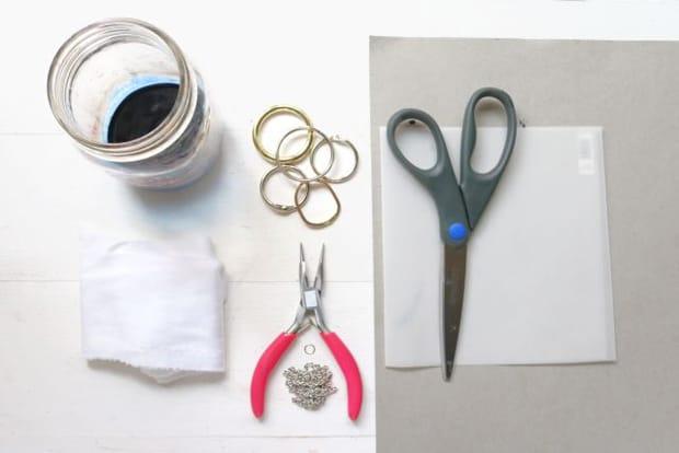 DIY Dip Dyed Fabric Fringe Necklace 01 Easy DIY Projects: Dip Dyed Fringe Necklace